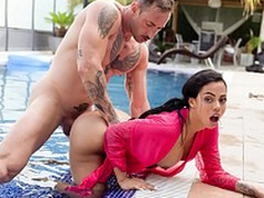 XXX Venetian blind - Latina with big booty Canela Exterior loves hardcore pool sex