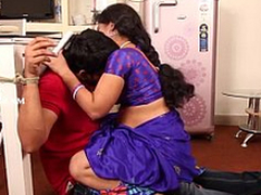 Teenage Boy Romance with Neighbour 30 Length of existence Hot Aunty