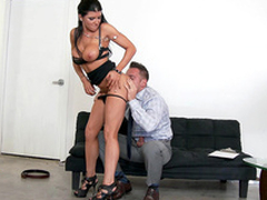 Surprising MILF Romi Rain undresses ergo man could delight in say no to XXX body